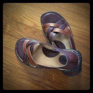 Born Tan/Brown Sandals